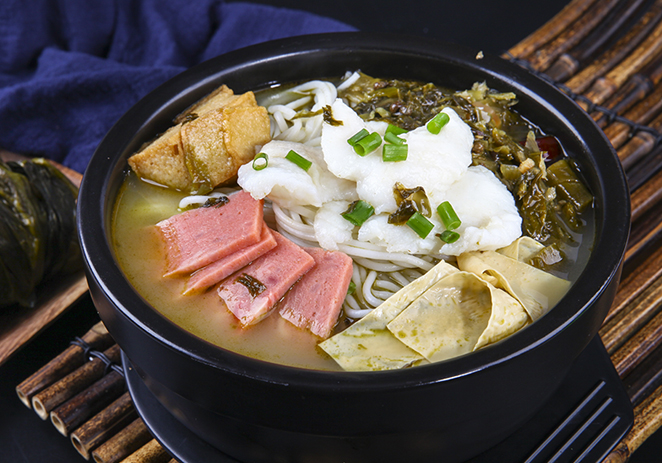 老坛酸菜鱼米线